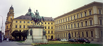 Statue of King Ludwig